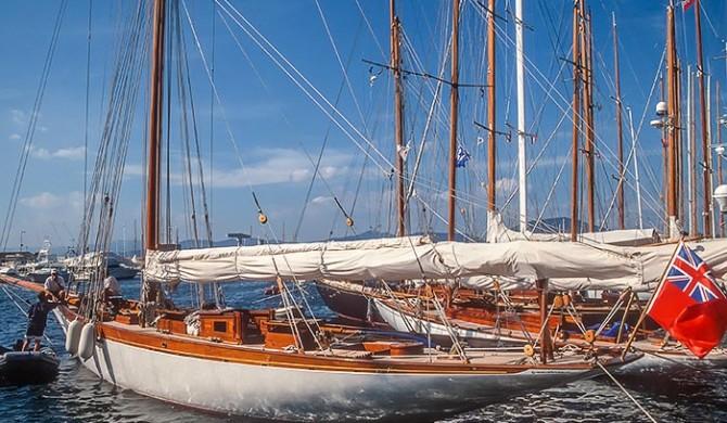 """Segelyacht bei der Regatta """"Les Voiles de Saint Tropez"""""""